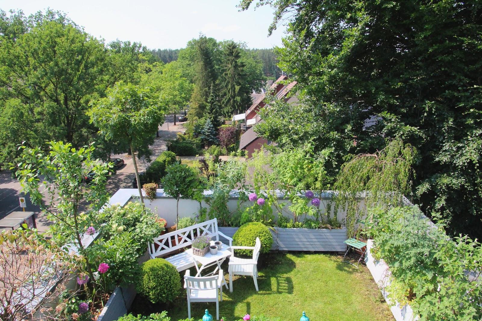 ein cottage garten auf dem dach 06 04 16. Black Bedroom Furniture Sets. Home Design Ideas