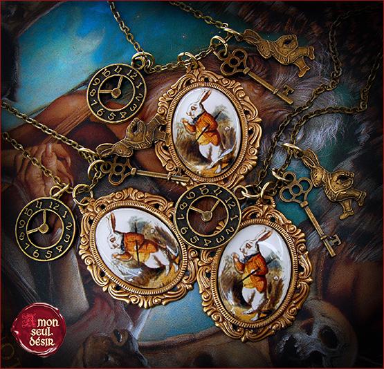 Collier Alice au Pays des Merveilles Le Lapin Blanc Steampunk Retro Vintage