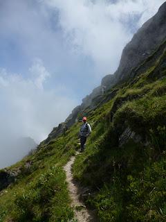 Sendero vertiente sur. Pico Tres Mares