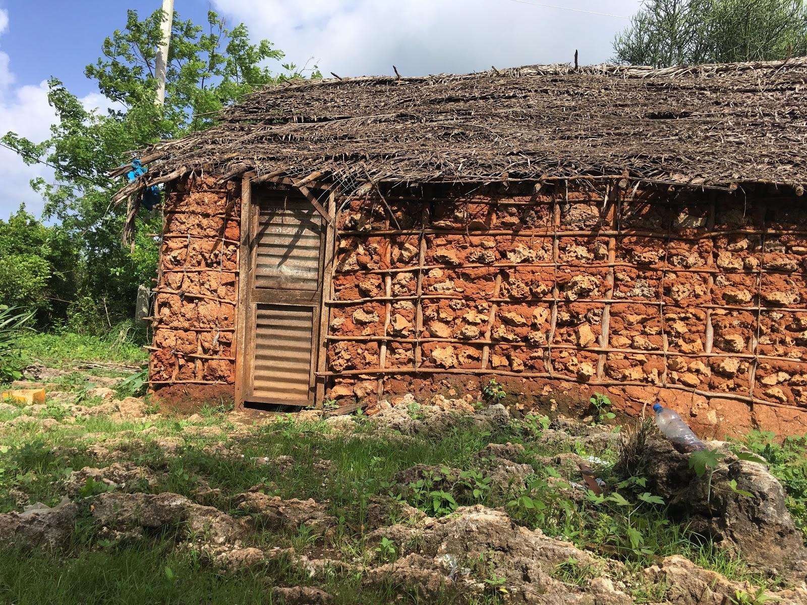 in pete werden auch jetzt noch traditionelle lehmhuser gebaut das finde ich erstaunlich fr die leute die kein geld htten fr ein modernes haus - Auenfarbe Ideen Fr Kleine Huser
