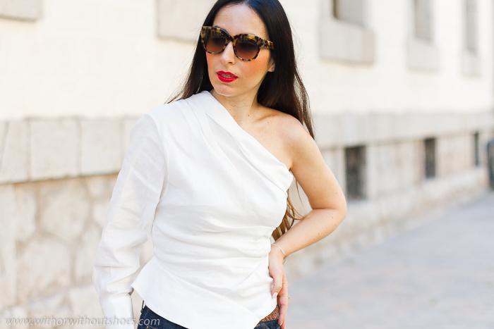 La blusa camisa asimetrica blanca de Zara más viral de la temporada