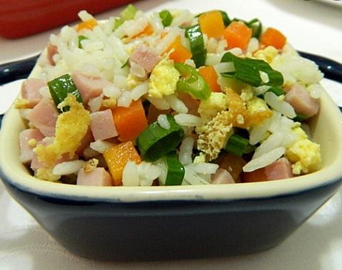 Harô Sushi: chef ensina receita e fala sobre benefícios de cozinhar