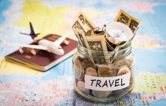 10 Tips To Save Up Money While Traveling