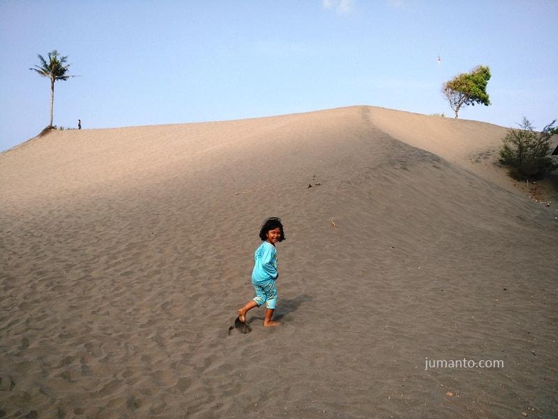foto gumuk pasir parangtritis jogja