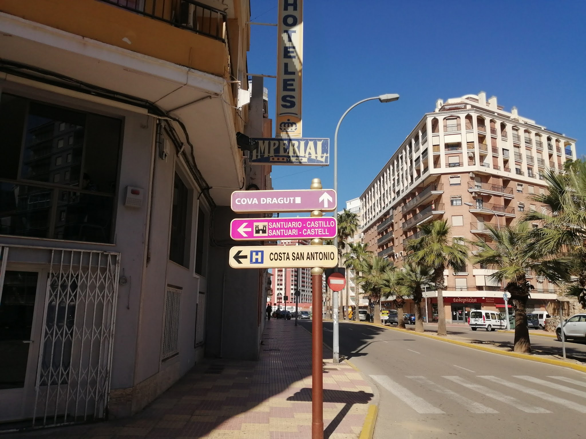 Sign indicating Cullera Castle at the start of the climb to la Bola de Cullera, Valencia, Spain