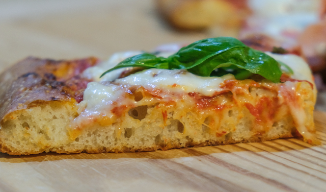 Pizza in teglia a 24 ore di lievitazione