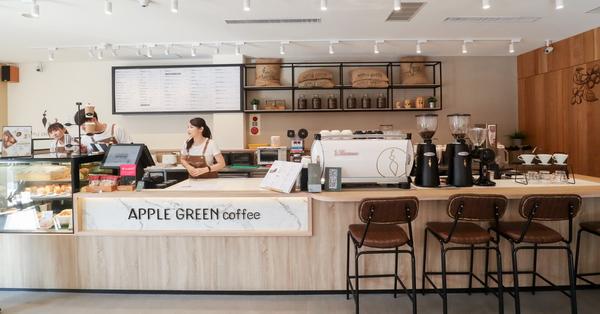 蘋果綠咖啡學府門市|台中南區平價咖啡|寬敞舒適|多那之新品牌