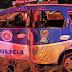Na Bahia, viatura da PM capota durante perseguição, um policial morre e dois ficam feridos