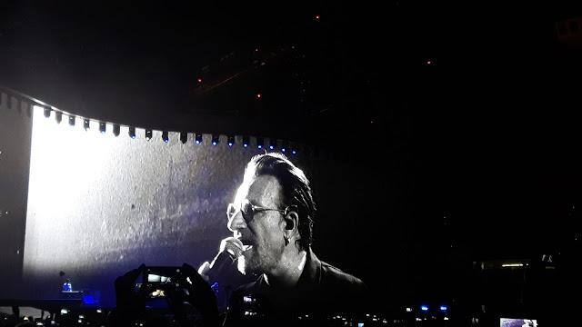 U2 concert Barcelona 2017 Bono