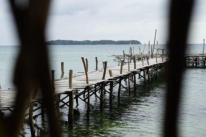 Dermaga kayu kecil tempat bersantai ataupun memancing