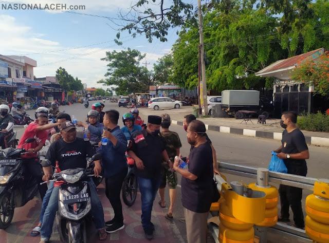 BAS Bagikan 500 Masker Dan Minuman Antibodi untuk Masyarakat Aceh : Peduli Covid-19