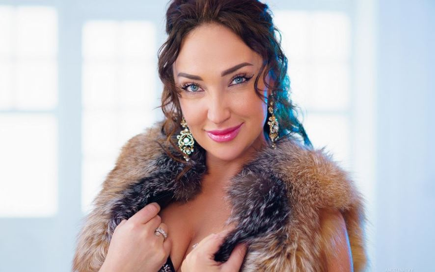 AngelinaEvy Model GlamourCams