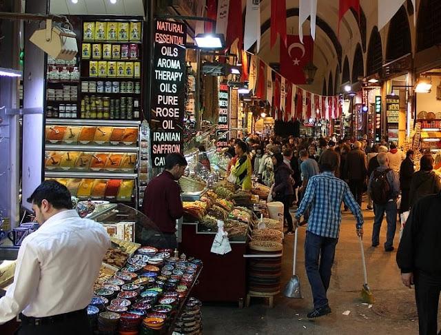 Lajpat Nagar Market, Best Places to Visit in Delhi