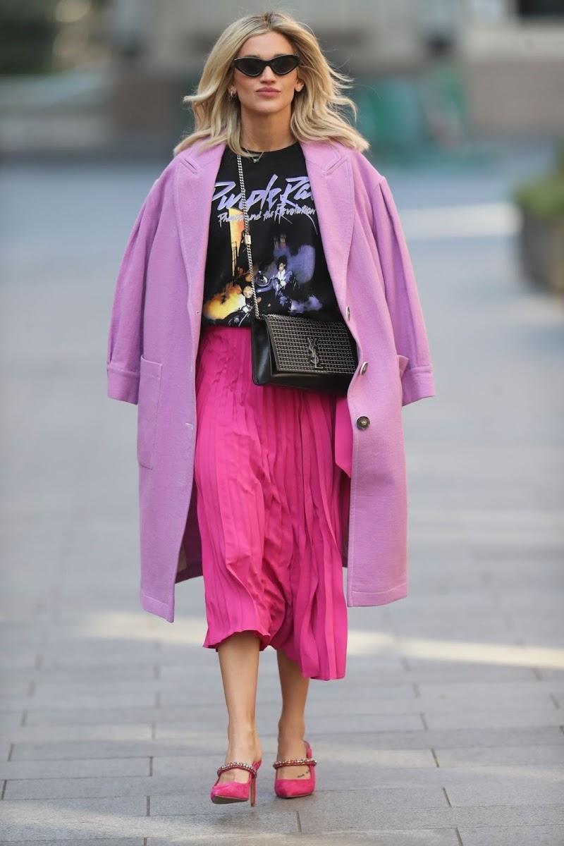Ashley Roberts Clicked in a Pink Skirt Leaves Heart Radio in London 26 Mar -2020
