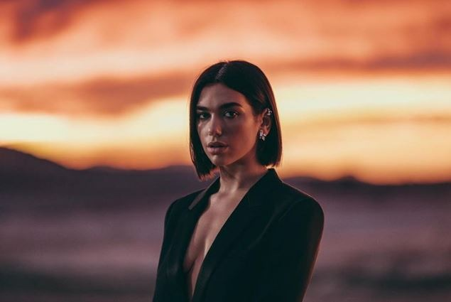Dua Lipa, the new image of the famous French brand Yves Saint Laurent
