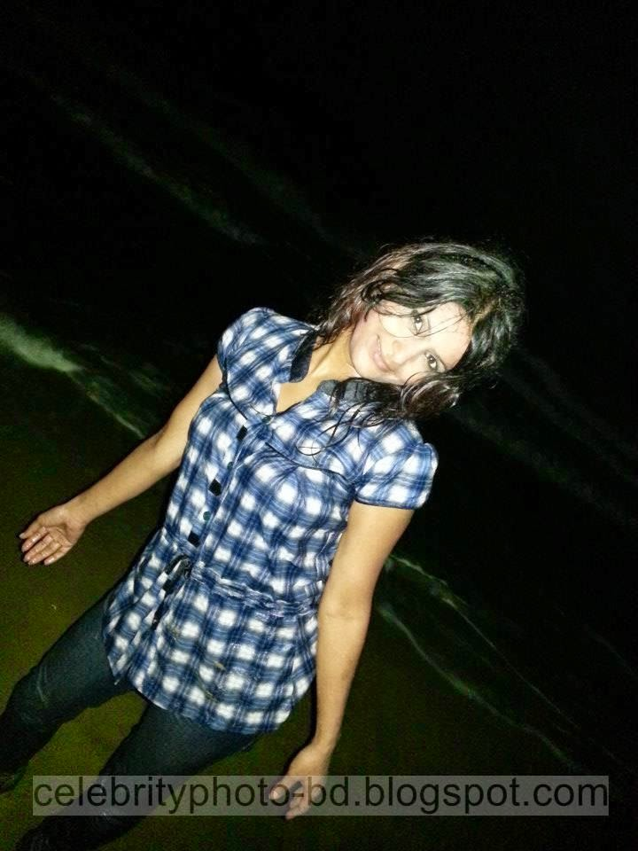 Bangladeshi Girl Wahida Rahi's Hottest And Sexiest Photos Collection In Wet Dress From Cox's Bazar Tour