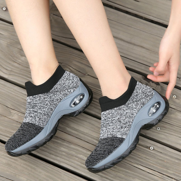 Women's heightened air cushion sneaker - Gray