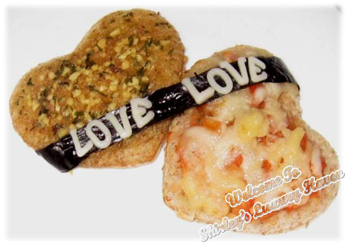 how to make heart shaped valentines day bruschetta
