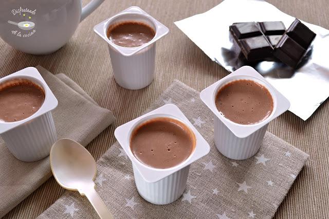 Petit suisse o danonino de chocolate