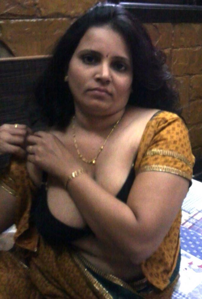 gayathri aunty nude