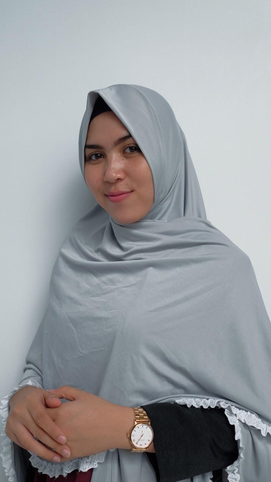 wallpaper muslimah terbaru pipi tembem dan manis cewek hijab