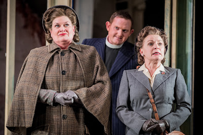 Britten: Albert Herring - Yvonne Howard, Nicholas Merryweather, Lucy Schaufer - Buxton Festival 2017 (Photo Robert Workman)