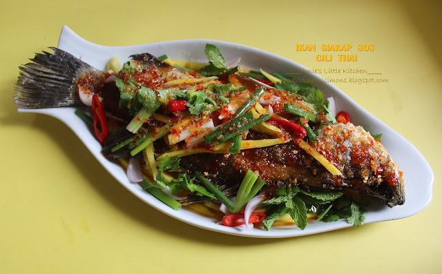 Ikan  Siakap Goreng Sos Cili Thai & The Gang