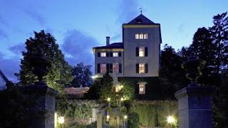 10. Schloss Schauenstein, Switzerland, $ 259 Per Kepala