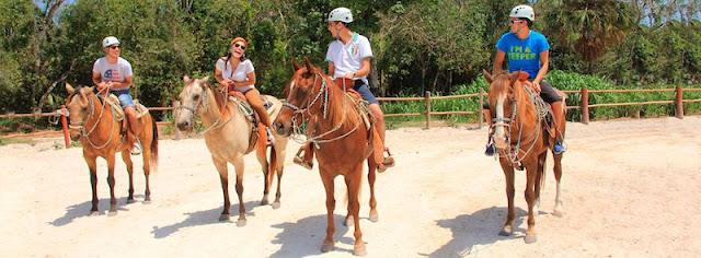 Ande a cavalo em Cancún