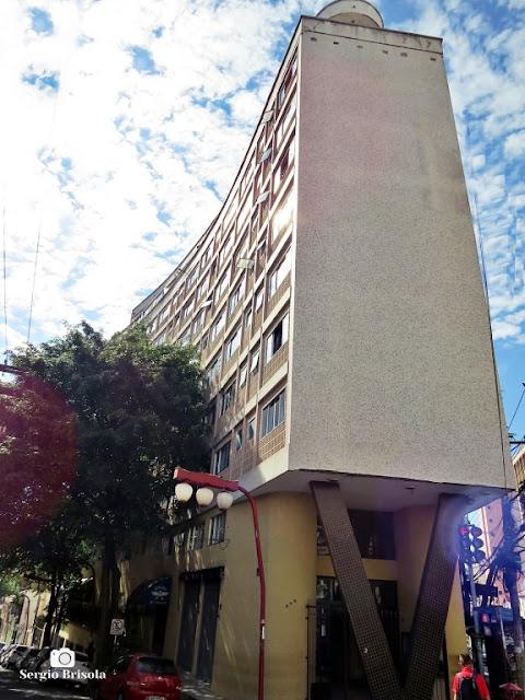 Vista ampla o Edifício Gama - Liberdade - São Paulo