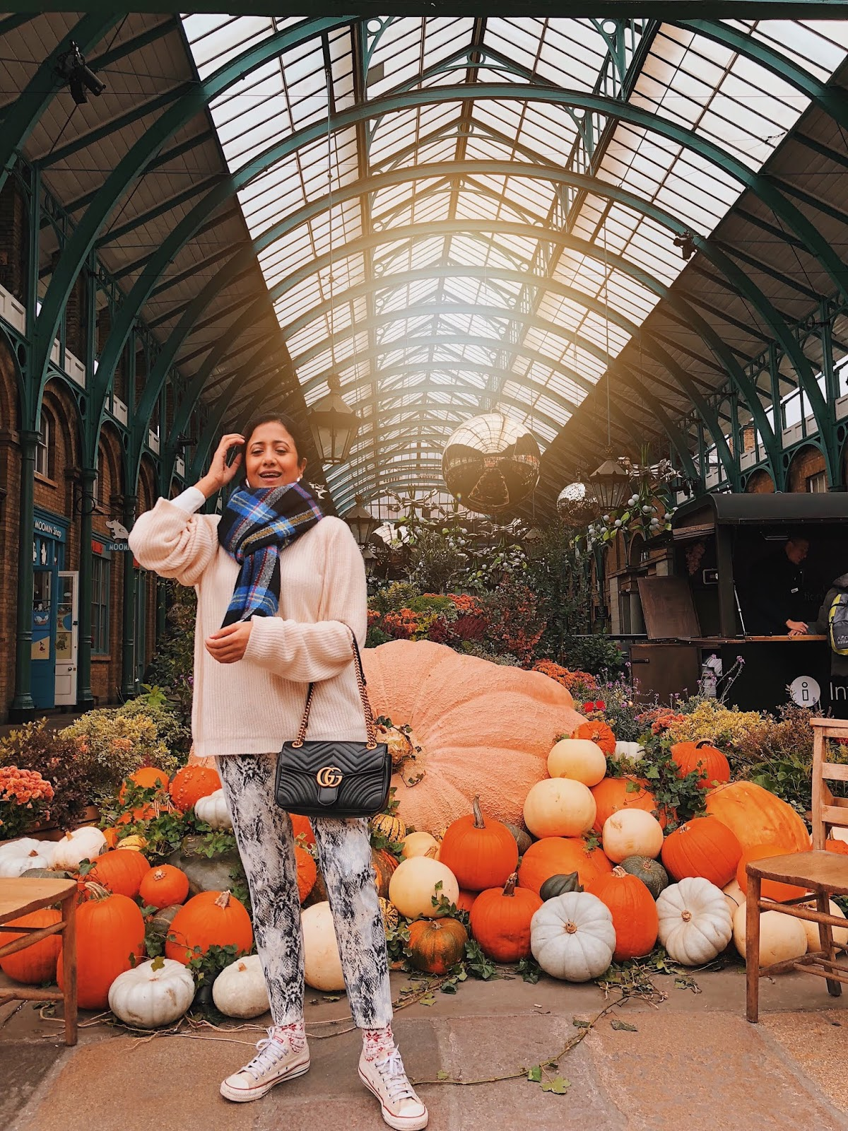 london instagram spot, autumn in london, indian blogger, london blog, covent garden, snake print trouser, all white, winter white, gucci bag, effortless chic
