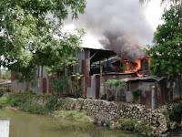 Diduga Korsleting Listrik, Rumah Kontrak Tukang Sate Madura di Pangkep Ludes Terbakar