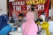 Ratusan Buruh Pabrik Di Purbalingga Terima Vaksinasi Massal