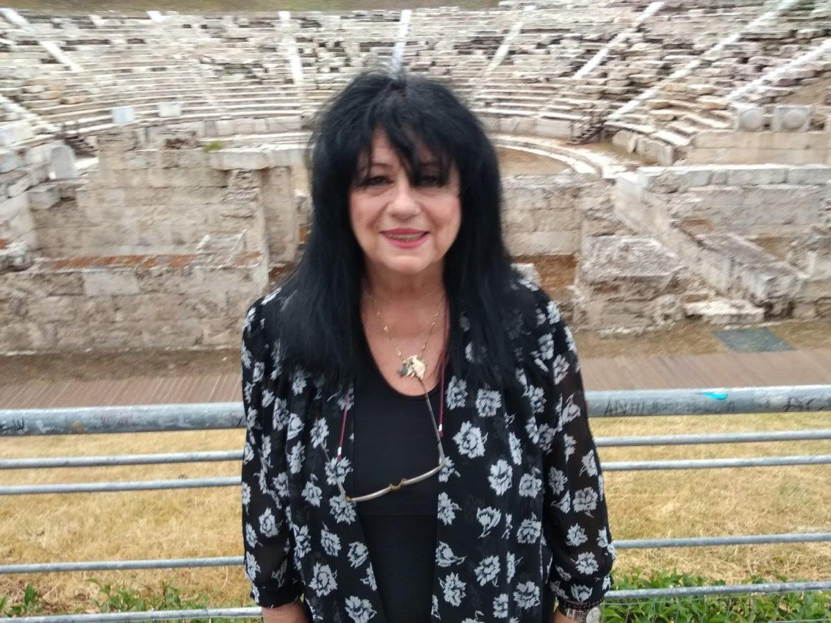 Η Άννα Βαγενά δηλώνει: «Επικίνδυνη και ανίκανη κυβέρνηση»