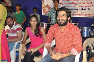 Gaman Santhal live garba photo shoot images