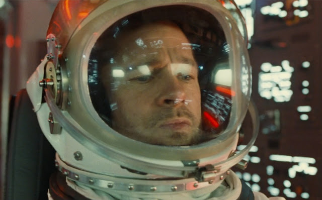 """Brad Pitt busca respostas no espaço no primeiro trailer de """"Ad Astra"""""""