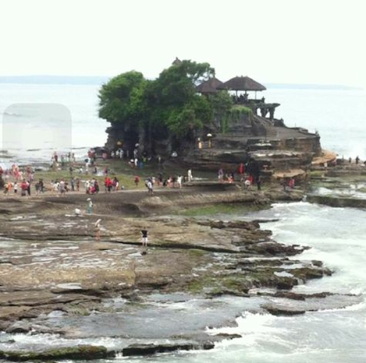 Tanah Lot Temple with English Speaking Balinese Guide and Driver
