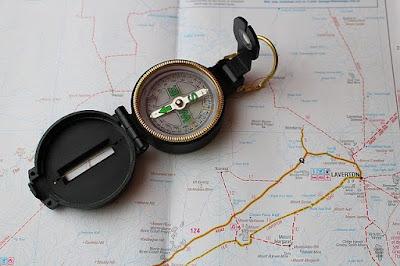 Cara Menggunakan Kompas Bidik dalam Navigasi Darat