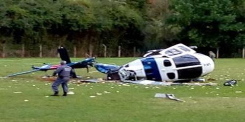 Helicóptero da PM cai com governador que sai sem ferimentos