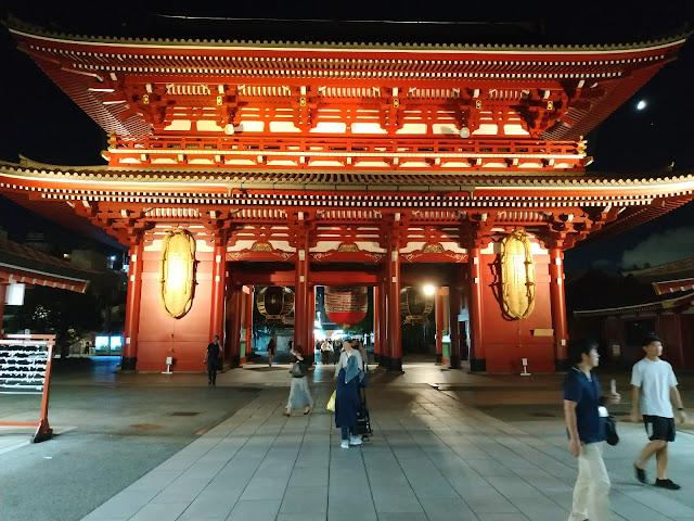 Travelling ke kuil sensoji asakusa tokyo
