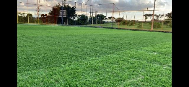 Campo de grama sintética da Candangolândia passa por reforma
