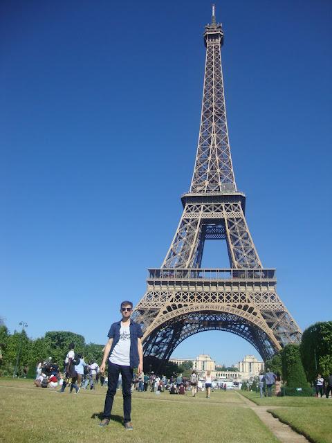 Harun İstenci Fransa'da Eyfel Kulesinde