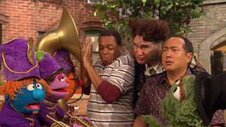 Alan, Chris, Oscar, Mr. Disgracey, Richard Kind, marching band, Sesame Street Episode 4324 Trashgiving Day season 43