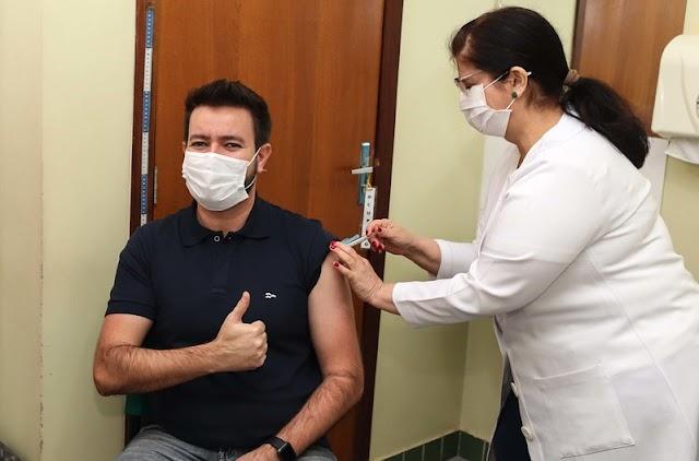 Vacinação em Foz já atende 70% da população adulta