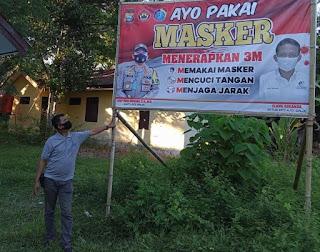 Pasang Spanduk Imbauan, Kapolres Iwan Bersama Ajoi Sinjai Minta Warga Terapkan 3 M