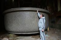 Баболовская ванна. Гранит. Вес 48 тонн.