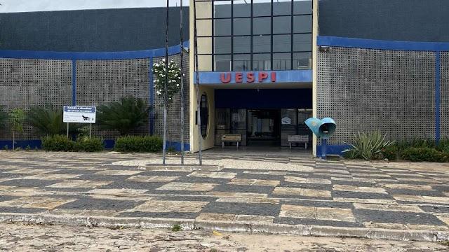 Descaso com a educação pública em Parnaíba; Uespi deixa população sem cursos importantes para a cidade