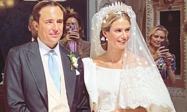 Princess Maria Anunciata wore the Habsburg Fringe Tiara and a bridal gown by Valentino