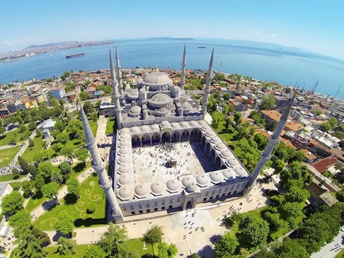 Hasil gambar untuk gambar masjid biru sultan ahmed
