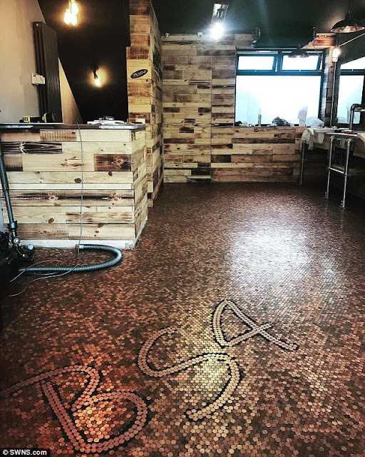 This Man Used 70,000 Pennies To Cover His Floor And The Result Is Far Beyond Expectation!